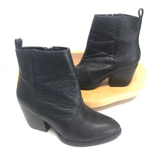 Shoemint Dark Navy Blue Pointed Toe Ankle Booties